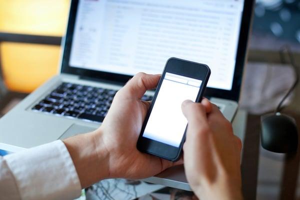 email-marketing-smartphone (1).jpg